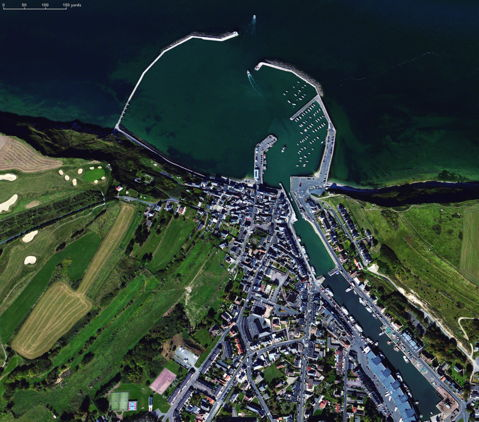 Satellite view of Port-en-Bessin, Apple Maps as at 11 August 2015.