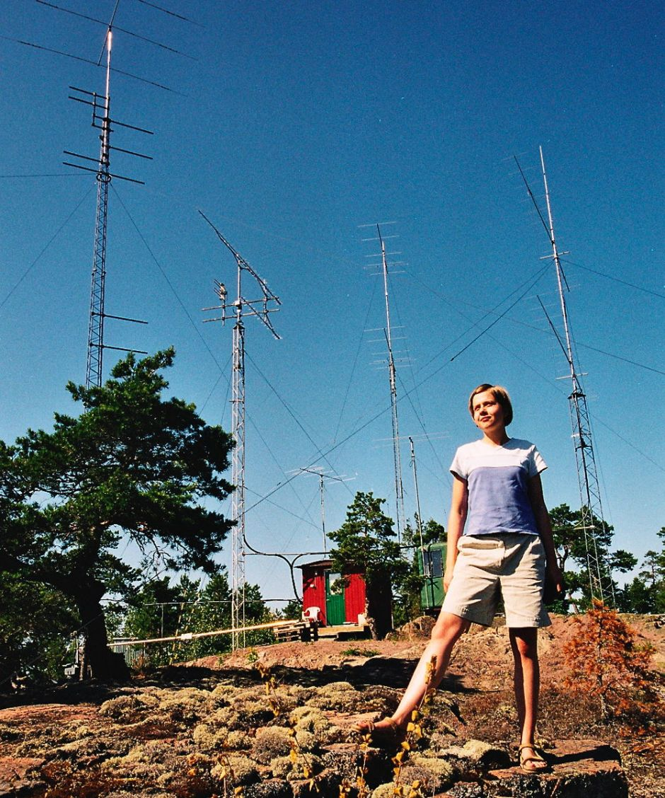 An amateur radio station, operated by callsign SP5HNK, on the Åland Islands. By Henryk Kotowski Kotoviski, via Wikimedia Commons.