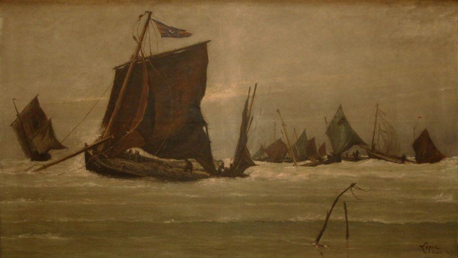 lepicfishingboatenteringberck